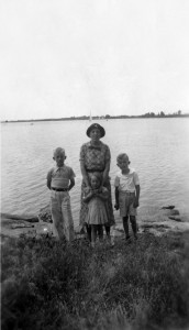 Lee, Eddie, and Doris with Mom about 1938